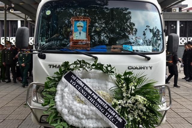 Thủ tướng viếng 3 liệt sĩ hy sinh ở Đồng Tâm - 11