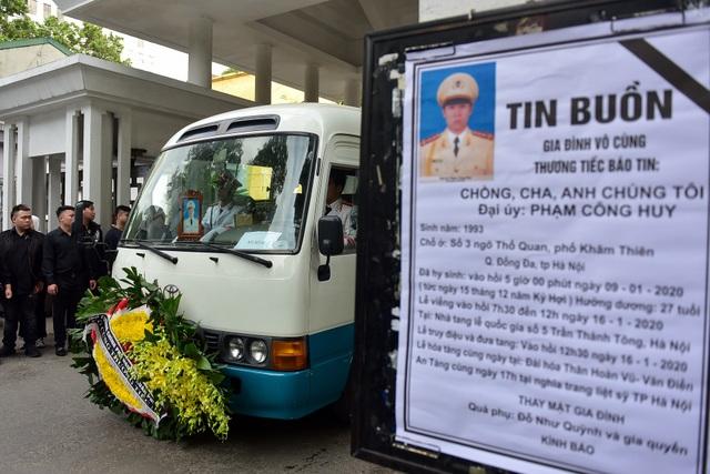 Thủ tướng viếng 3 liệt sĩ hy sinh ở Đồng Tâm - 12