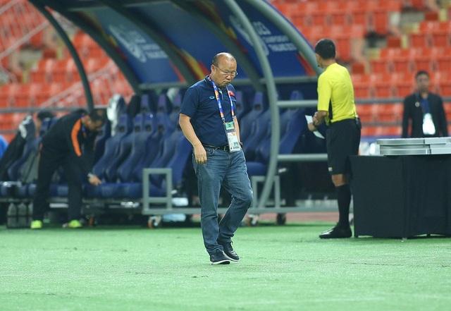 HLV Park Hang Seo lặng lẽ rời sân sau trận thua U23 Triều Tiên - 9