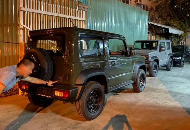 Suzuki Jimny xuất hiện tại Việt Nam theo đường nhập khẩu không chính thức - 1
