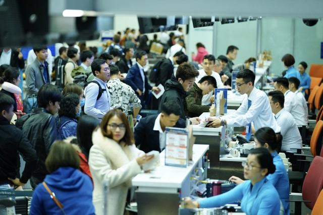 Sân bay Nội Bài quá tải dịp Tết, khuyến cáo hành khách đến sớm 3 tiếng - 2