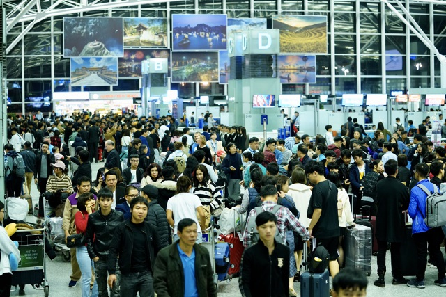 Sân bay Nội Bài quá tải dịp Tết, khuyến cáo hành khách đến sớm 3 tiếng - 3