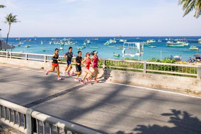 Ngắm nhìn Phú Quốc đẹp tuyệt vời trên cung đường marathon dài 42km - 4