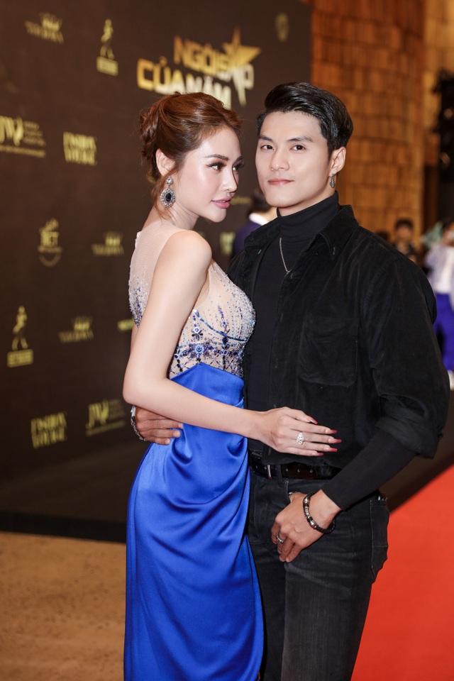 """Khánh My – Tiến Vũ lần đầu công khai yêu nhau, """"tình tứ không rời"""" trên thảm đỏ - 9"""