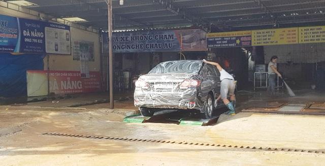 Quảng Trị:  Nghề rửa xe kiếm bộn tiền ngày cận Tết - 3