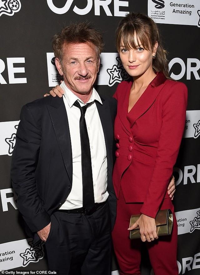 Sean Penn dự sự kiện cùng bạn gái kém 32 tuổi - 1