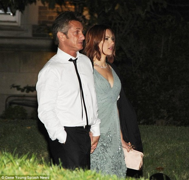 Sean Penn dự sự kiện cùng bạn gái kém 32 tuổi - 8