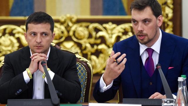Thủ tướng Ukraine bất ngờ từ chức giữa nghi vấn nói xấu Tổng thống Zelensky - 1