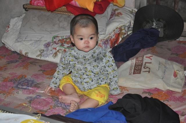 Người mẹ nghèo suy thận mơ có hộp sữa cho con được bạn đọc giúp đỡ gần 138 triệu đồng - 1