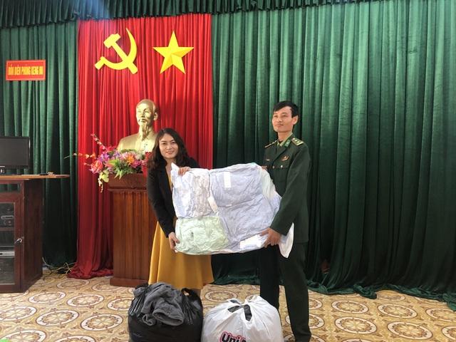 100 em nhỏ vùng biên giới Nghệ An được báo Dân trí tặng áo ấm giữa những ngày đông - 8