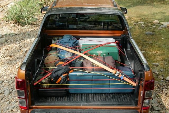 Cách xếp đồ đạc, hành lí gọn gàng và an toàn trên thùng xe bán tải - 4