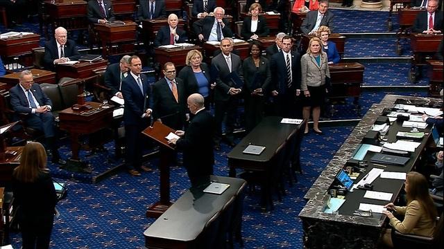 Thượng viện Mỹ bắt đầu xét xử luận tội ông Trump - 1