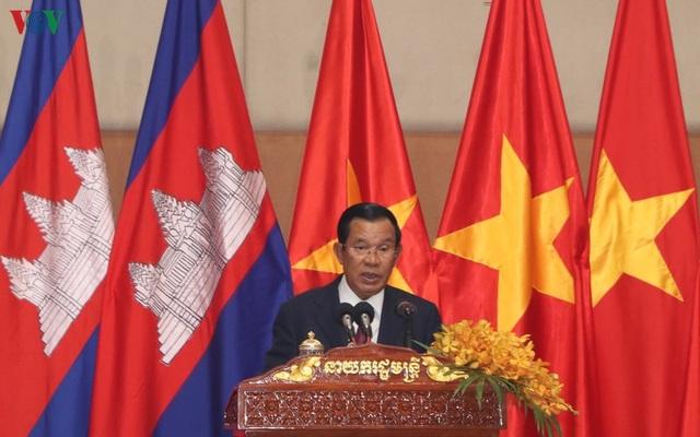 Thủ tướng Campuchia đón Tết Nguyên đán cùng cộng đồng người Việt - 1