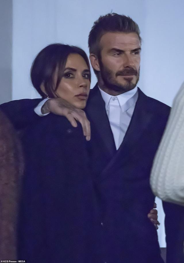Gia đình Beckham nổi bật khi đi xem show thời trang - 10