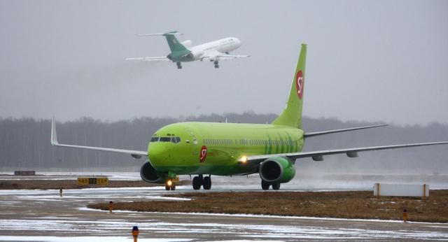 Máy bay Nga chở 200 khách tới Việt Nam cháy động cơ ngay khi cất cánh