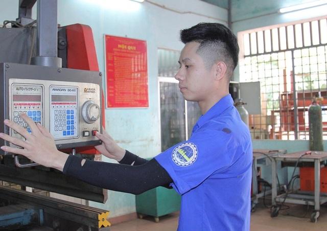 """Những """"sinh viên 5 tốt"""" đất võ Bình Định - 2"""