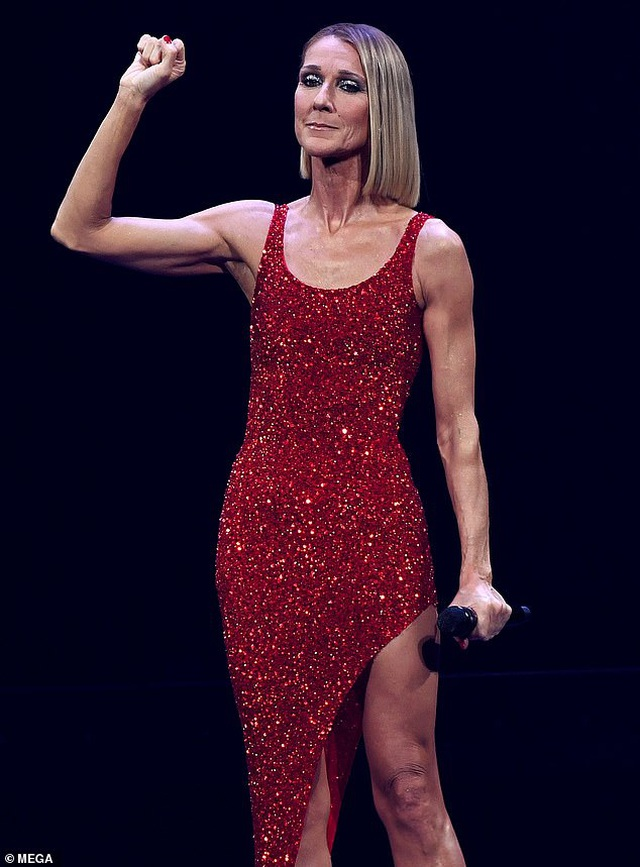 Celine Dion rớm lệ khi biểu diễn ngay sau khi mẹ qua đời - 3