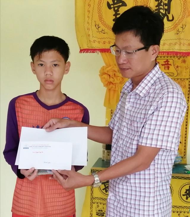 Bé gái bị u bướu tại Bạc Liêu được bạn đọc giúp đỡ xây ngôi nhà mới - 2