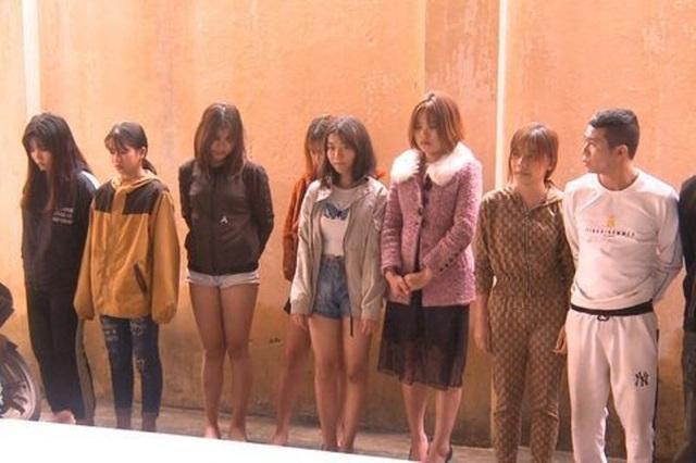 Gần 20 thanh niên tổ chức sử dụng ma túy tại quán karaoke - 2