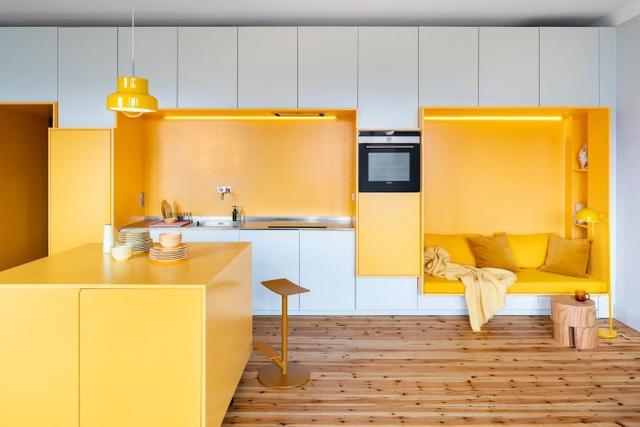 Căn nhà 80 m2 bắt mắt và đầy sức hút nhờ những bức tường sơn vàng ấn tượng - 5