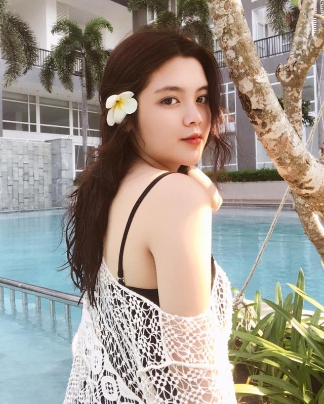 Nữ sinh Việt hot trên báo Trung Quốc nhờ đẹp mũm mĩm quyết giảm béo Tết này - 1
