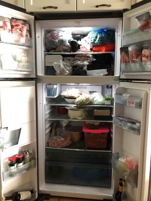 Phát hoảng giá Tết, chỉ lau cái tủ lạnh chém 1 triệu đồng - 1