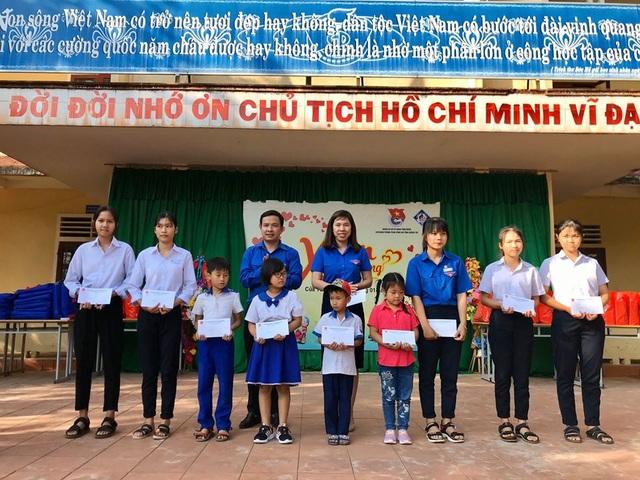 Tuổi trẻ Quảng Trị mang Tết đến với hơn 1.900 thiếu nhi có hoàn cảnh đặc biệt khó khăn - 2