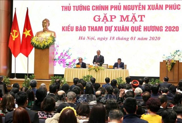 Thủ tướng gặp mặt kiều bào tham dự chương trình Xuân Quê hương 2020 - 2