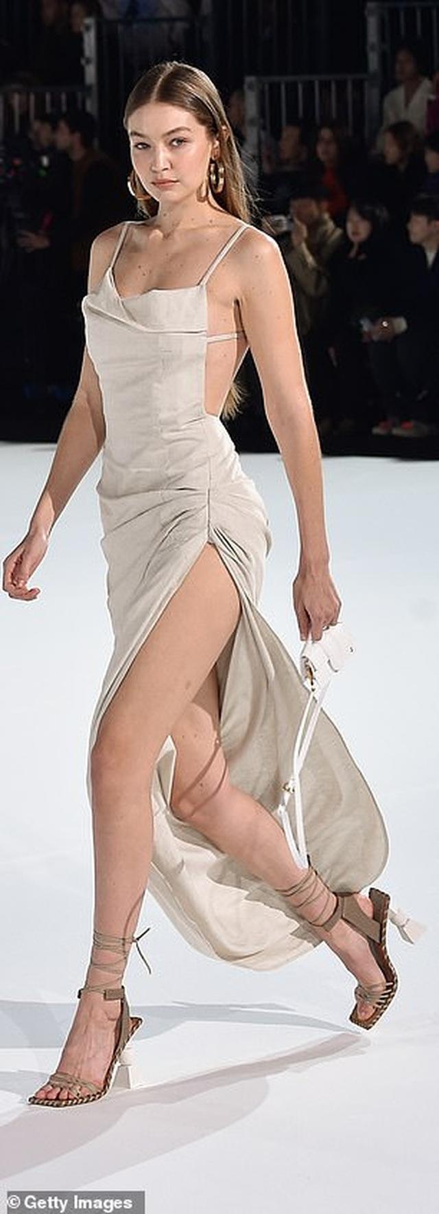 Chị em Hadid nổi bật tại tuần lễ thời trang Paris - 5