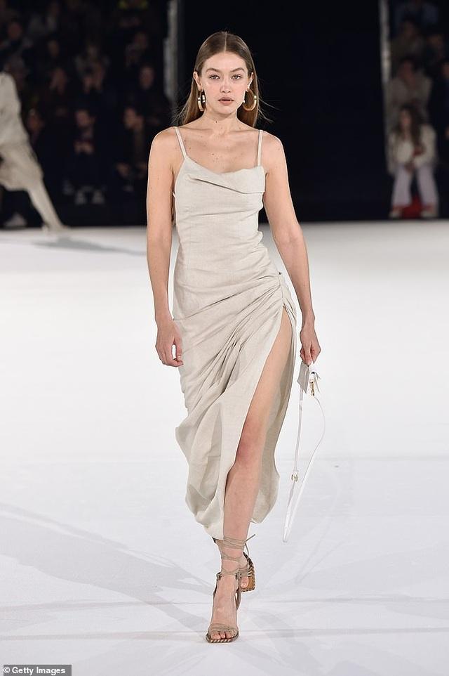 Chị em Hadid nổi bật tại tuần lễ thời trang Paris - 3