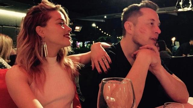 Vợ cũ Johnny Depp có bạn gái mới - 6