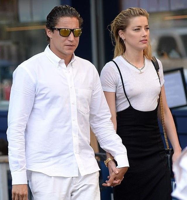 Vợ cũ Johnny Depp có bạn gái mới - 7