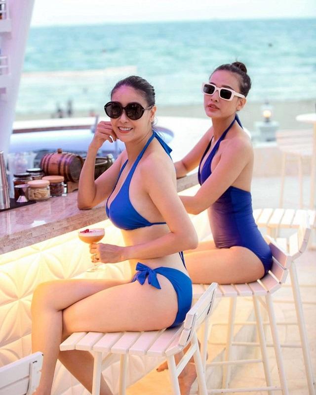 Hà Kiều Anh diện bikini, khoe vóc dáng nóng bỏng bên Dương Mỹ Linh - 1