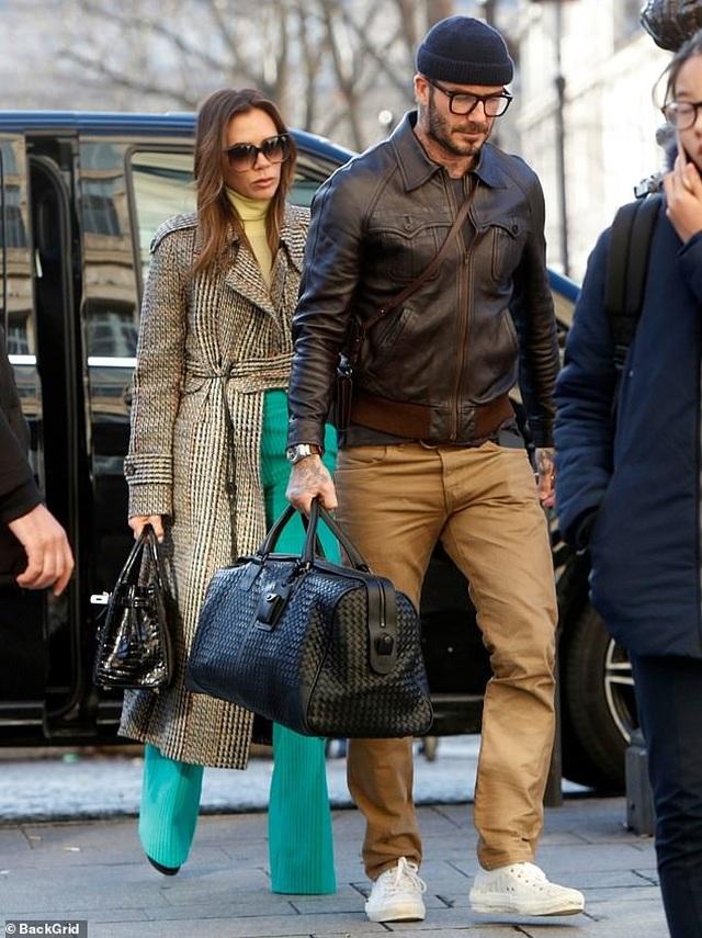 Victoria Beckham sành điệu cùng chồng ra phố - 2