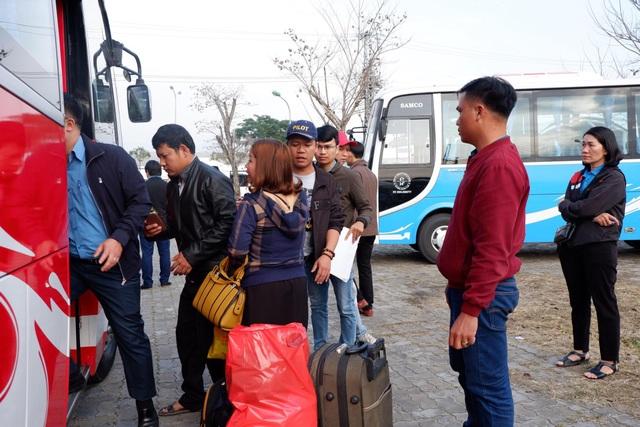Đà Nẵng: Chuyến xe công đoàn đưa hàng ngàn công nhân về quê ăn Tết - 3