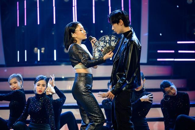 Giả giọng 4 ca sĩ, Nhật Thủy giành ngôi quán quân Gương mặt thân quen - 15