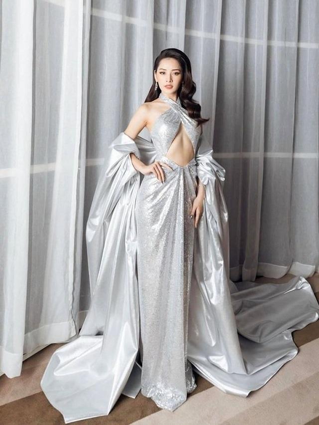 """Hà Hồ diện váy lụa là """"đọ dáng"""" cùng Thanh Hằng trên thảm đỏ - 6"""