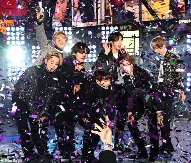 Giới trẻ phương Tây đổ xô đi học… vũ đạo K-pop - 1