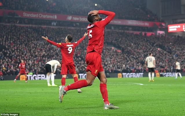 Van Dijk, Salah lập công giúp Liverpool nhấn chìm Man Utd - 3
