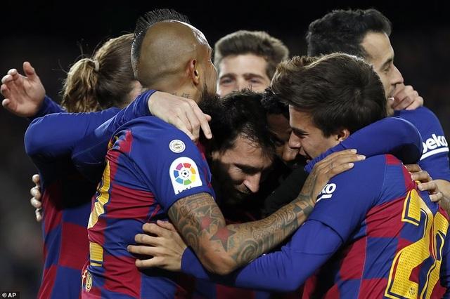 Messi ghi bàn, Barcelona giành lại ngôi đầu bảng từ Real Madrid - 4