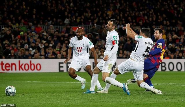 Messi ghi bàn, Barcelona giành lại ngôi đầu bảng từ Real Madrid - 1