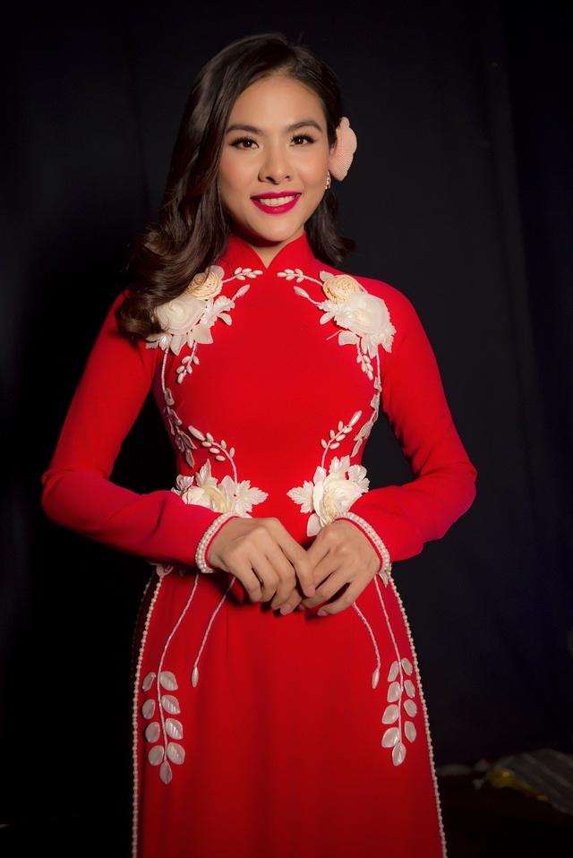 NSƯT Ngọc Huyền, Vân Trang, Thanh Trúc... nền nã với áo dài Việt - 6