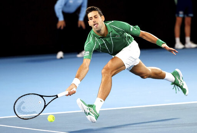 Australian Open: Djokovic, Federer khởi đầu suôn sẻ ở trận ra quân - 1