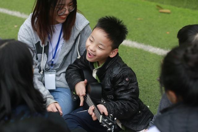 Học sinh cấp 3 chuyên Sư phạm góp Xuân ấm giúp trẻ em khó khăn - 1