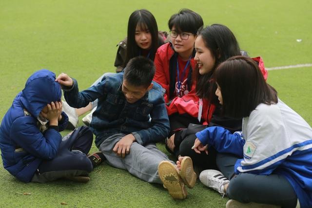 Học sinh cấp 3 chuyên Sư phạm góp Xuân ấm giúp trẻ em khó khăn - 2