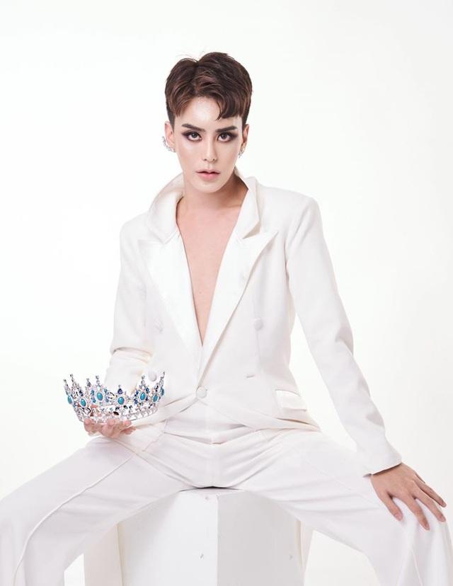 Sốc: Hoa hậu chuyển giới Thái Lan phẫu thuật trở lại là nam giới - 17