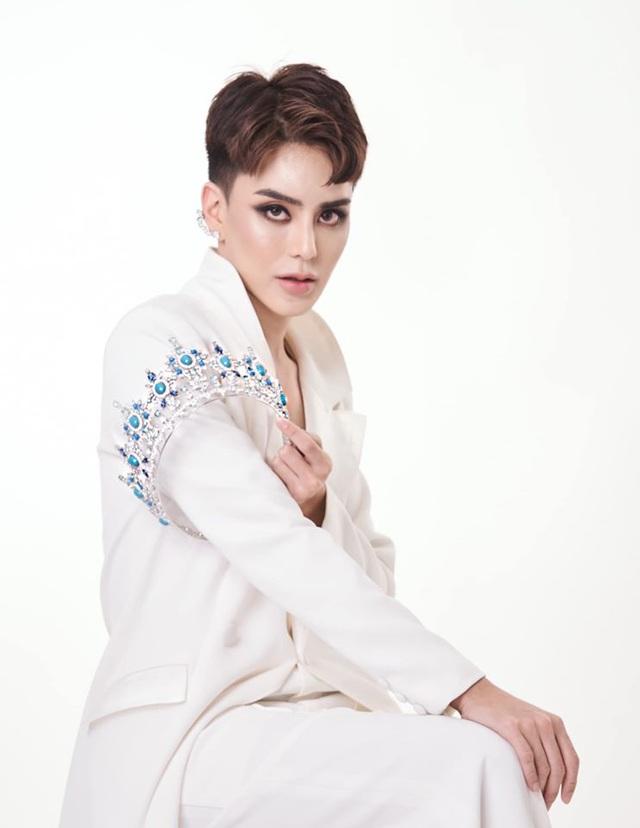 Sốc: Hoa hậu chuyển giới Thái Lan phẫu thuật trở lại là nam giới - 16