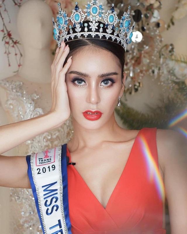 Sốc: Hoa hậu chuyển giới Thái Lan phẫu thuật trở lại là nam giới - 2