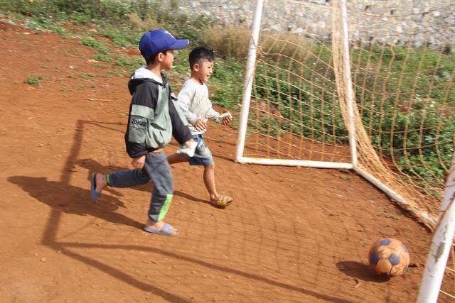 Chàng trai ung thư mở lớp học miễn phí cho trẻ em quê nghèo - 5