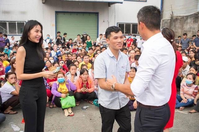 Ấm áp tình nghệ sĩ Việt dành cho người nghèo mùa Tết - 8